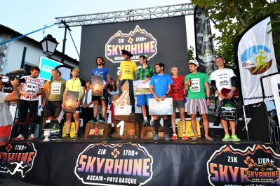 akuna-podiums-hommes